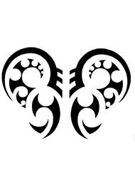 Tatuaggio Tribale di Ali di Farfalla