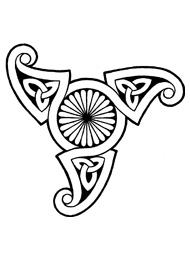 Disegno di un Tatuaggio Triskell con Fiore al Centro
