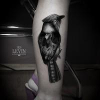 skull bird tattoo 200x200 Tattoo Artist Gallery: Ien Levin