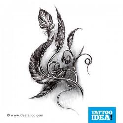 Tatuaggio con piume ornamentali